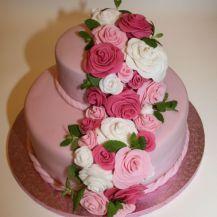 Torte mit Rosengirlande _ Minze