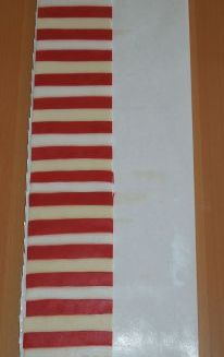 Zierrand gestreift rot weiß elfenbein