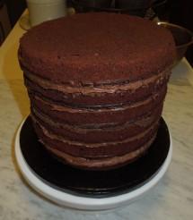 Brownie Torte gefuellt mit Nutella Mascarpone Creme