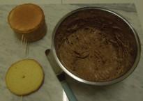 Paw Patrol Torte Biskuit mit Kinderschokoladeganache füllen